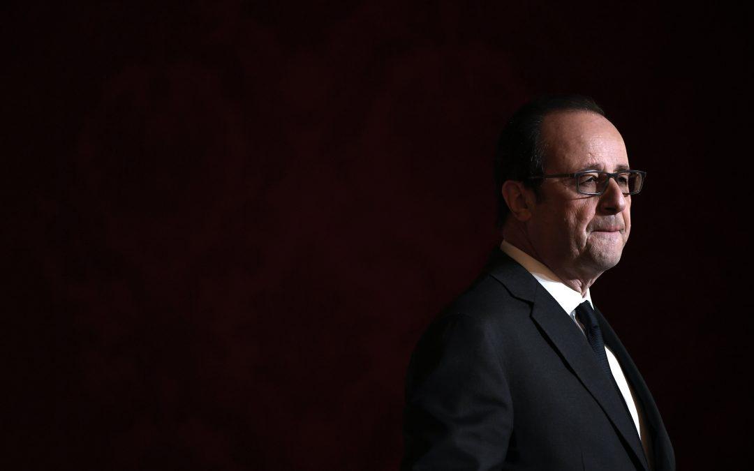 François Hollande renonce, crash d'un avion en Colombie : résumé de la semaine