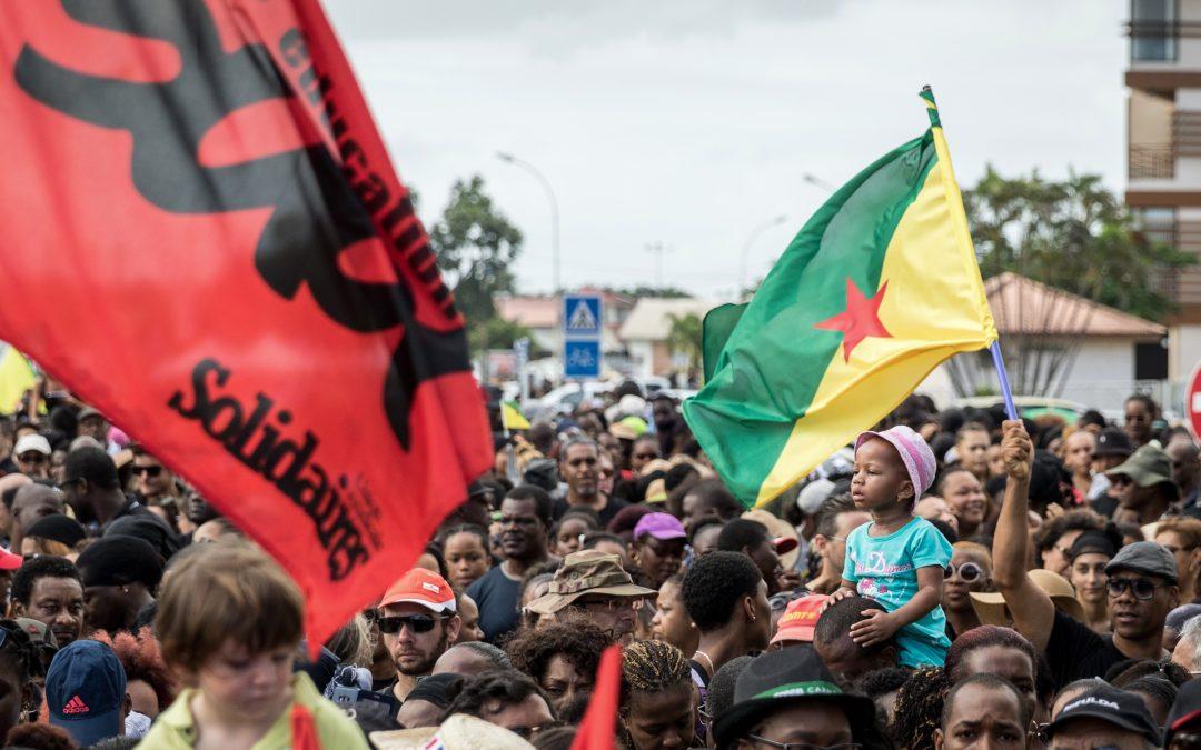 Brexit morose, la Guyane implose : résumé de la semaine