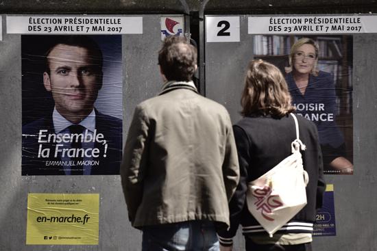 Macron et Le Pen qualifiés pour le second tour, le Venezuela toujours sous haute tension : résumé de la semaine