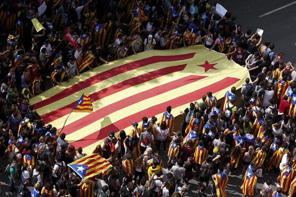Manifestations en Catalogne, fusion entre Alstom et Siemens : résumé de la semaine