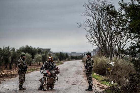 Offensive turque en Syrie, fin du conflit dans les prisons françaises : résumé de la semaine