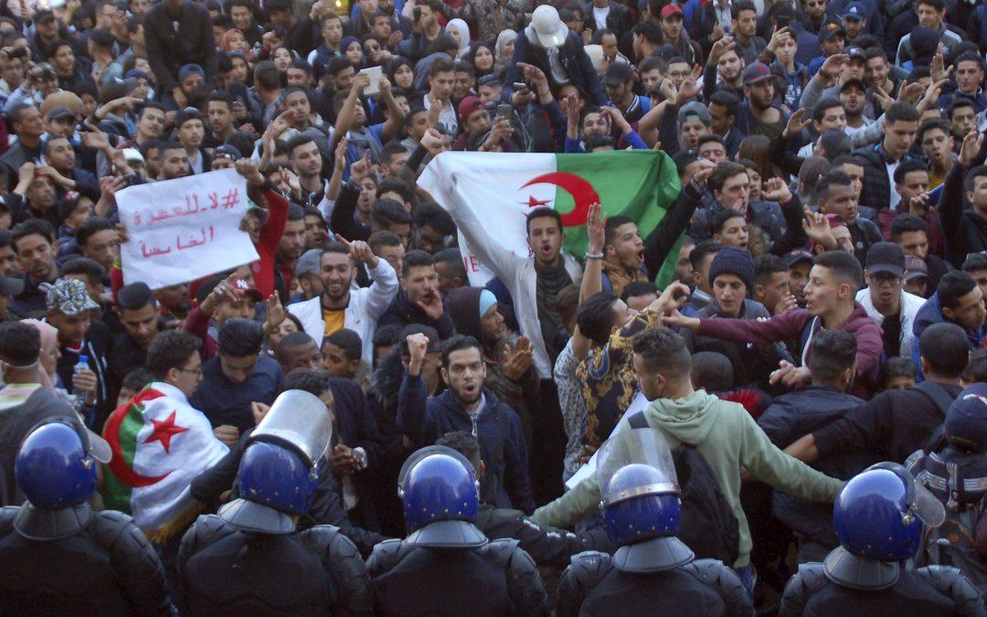Manifestations anti-régime en Algérie, crise humanitaire au Venezuela : résumé de la semaine