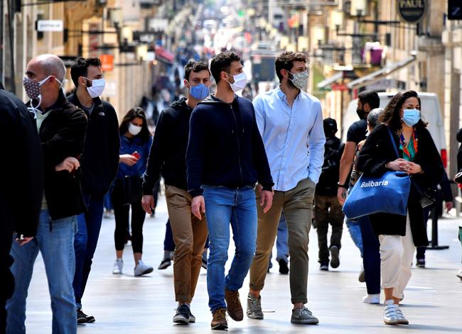 La France et l'Espagne entament un déconfinement différencié selon les régions : résumé de la semaine