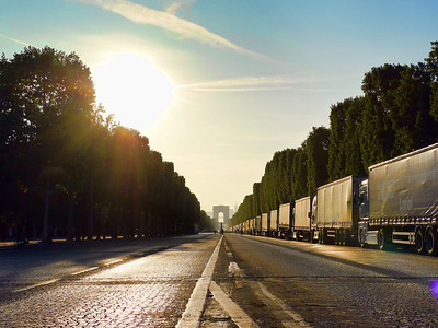 Seize nouveaux départements sont confinés en France, premier conflit diplomatique pour Joe Biden :  le résumé de la semaine